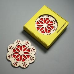 """Padėkliukų rinkinys """"Rytmečio žiedas"""" su raudonu veltiniu"""
